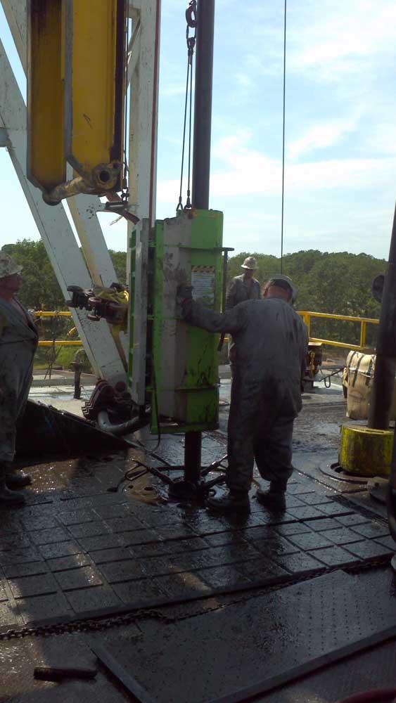 John Deere 332 >> East Texas Oilfield Supply Company